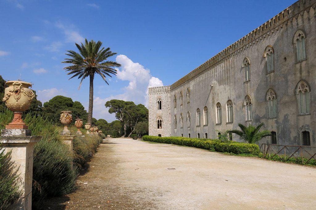 Castello di donnafugata tra storia leggende e montalbano for La casa tradizionale progetta una storia