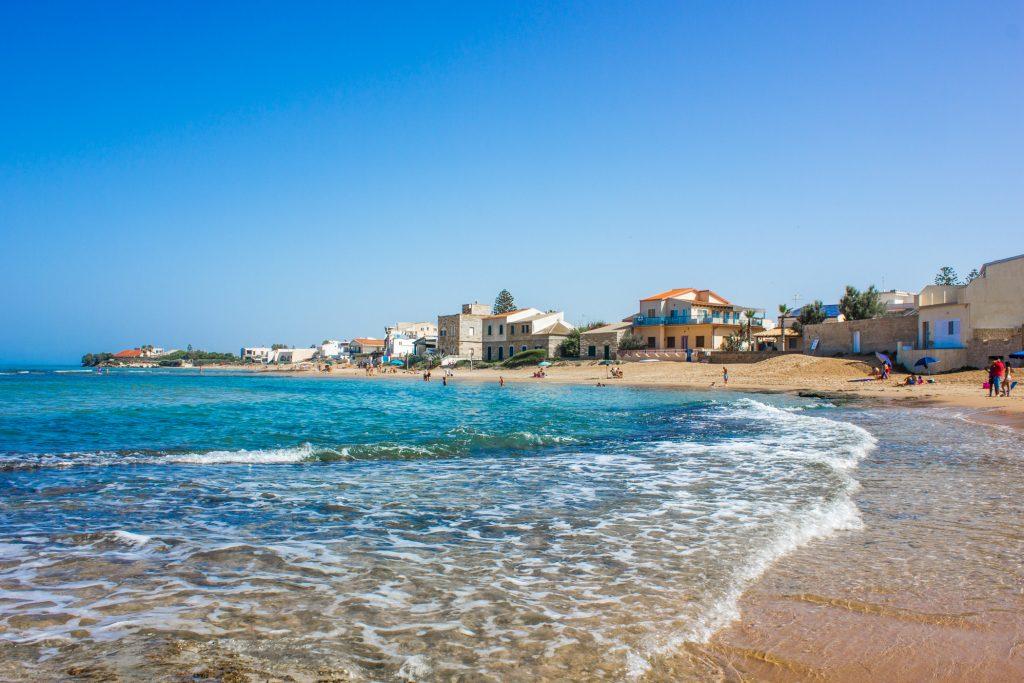 spiaggia casa Montalbano